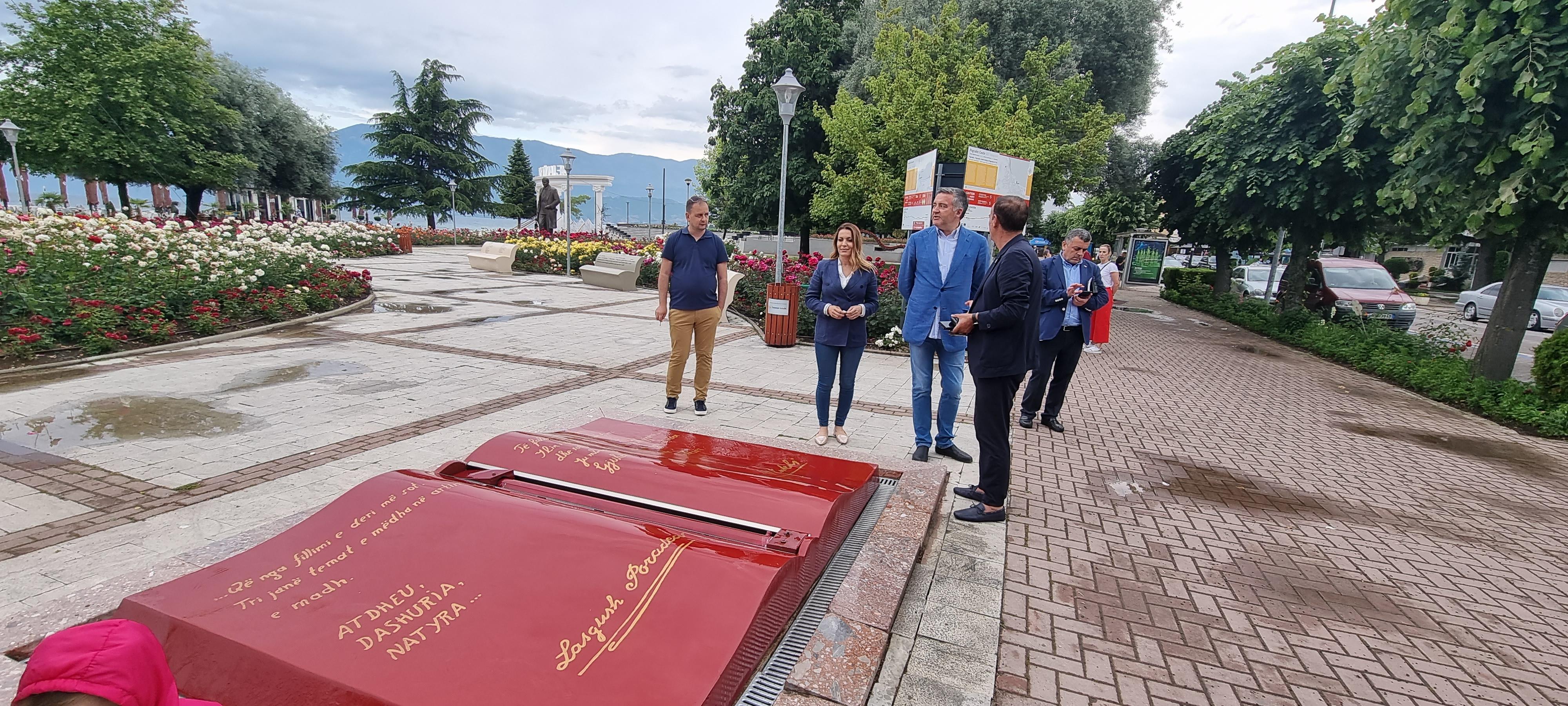 Ministri Klosi mbledh në Pogradec Komitetin e Turizmit.