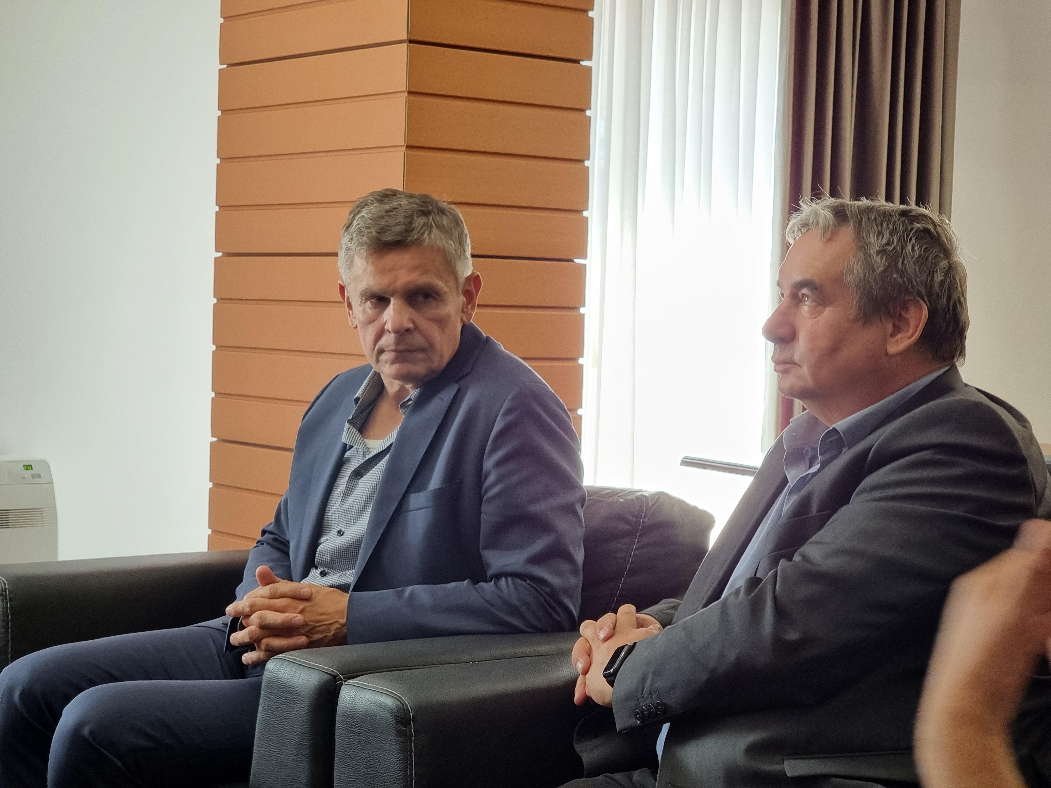 Kryebashkiaku Xhakolli pret në takim z. Gieger dhe z. Kandt