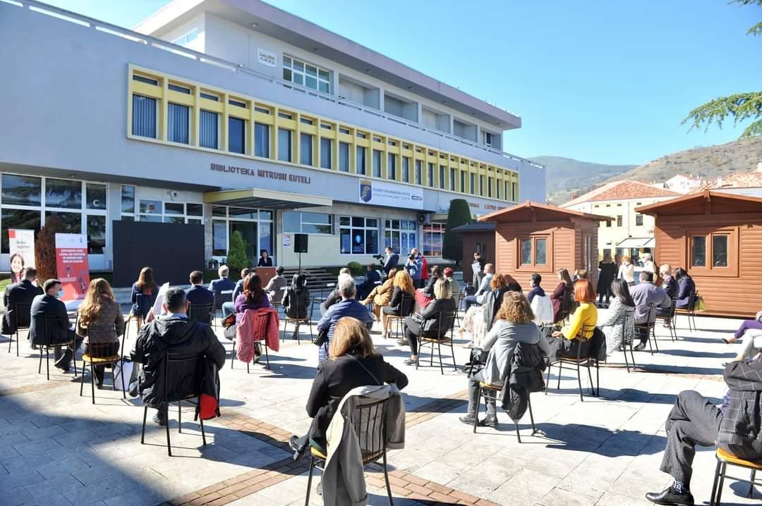 Ministrja e Drejtësisë znj. Etilda Gjonaj dhe Kryetari i Bashkisë inagurojnë zyrën juridike falas për qytetarët.