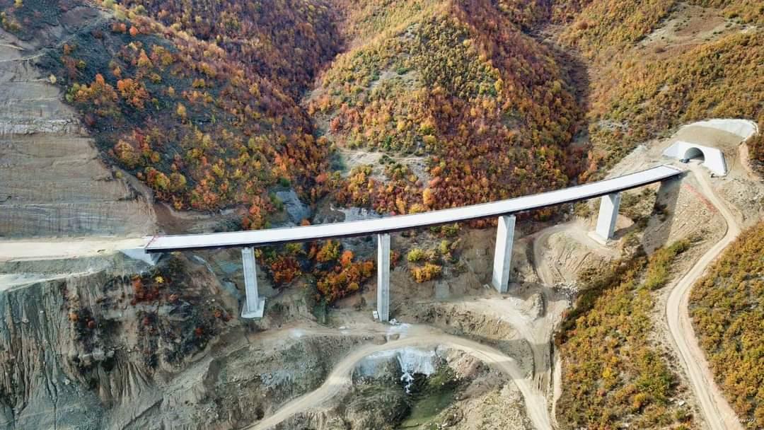 Përfundon një prej urave më të mëdha në aksin Qukës-Qafë Plloçë.